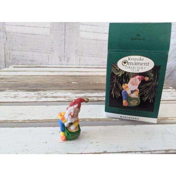 Hallmark Rudolphs helper 1996 keepsake mini orname
